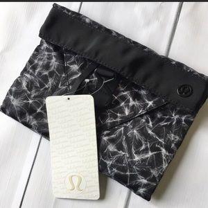 Lululemon Athletica Break Free Kit Travel Bag